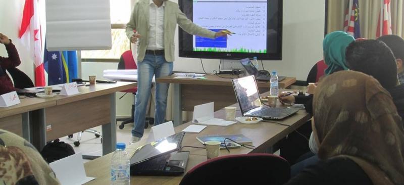 تعزيز مؤسسات المجتمع المدني نحو التخفيف من حدة الفقر في قطاع غزة